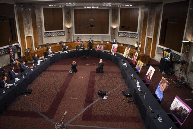 EEUU.- La jueza propuesta por Trump para el Supremo pasa el primer trámite en el