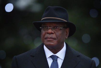 El expresidente Ibrahim Boubacar Keita regresa a Malí tras cerca de mes y medio recibiendo tratamiento en EAU
