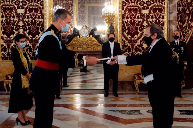 El Rey recibe las cartas credenciales de siete nuevos embajadores