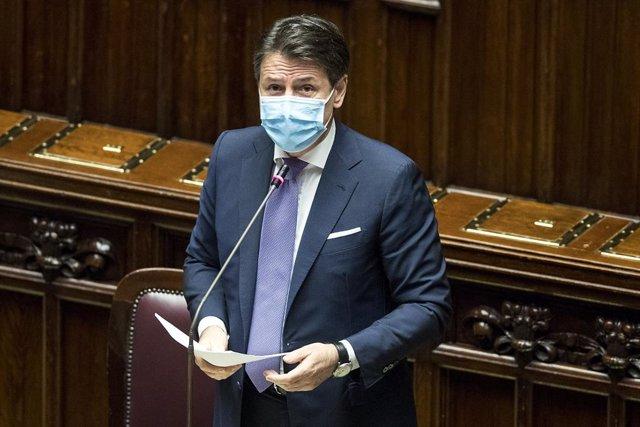 Coronavirus.- Conte no descarta nuevas medidas en Italia, que bate récord por se