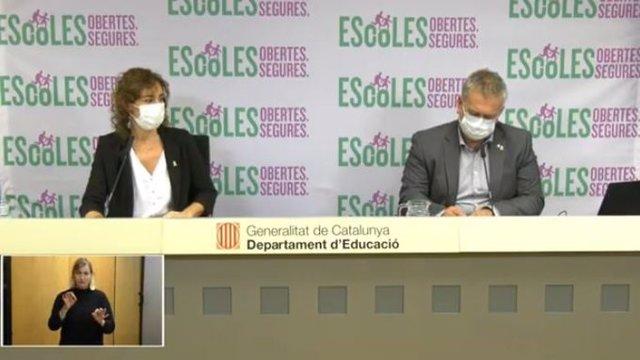 La secretària general d'Educació Núria Cuenca i el secretari de Polítiques Educatives Carles Martínez