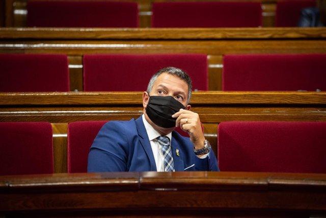 El nou conseller d'Interior, Miquel Sàmper, durant la sessió de control al Parlament. Barcelona, Catalunya (Espanya), 7 d'octubre del 2020.