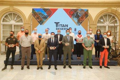 Andalucía patrocina a dos equipos mixtos en la Titán Desert Almería 2020