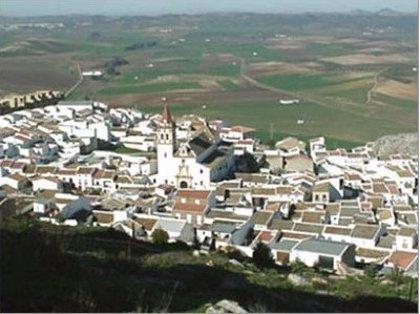 """El alcalde de Teba (Málaga) valora limitaciones y cribado: """"Es un paso previo para tratar de mejorar los datos"""" de COVID"""