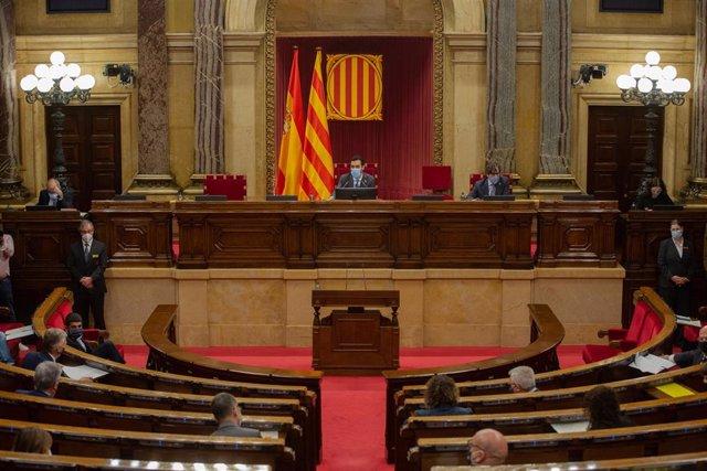 Hemicicle del Parlament durant una sessió plenària. Barcelona, Catalunya (Espanya), 22 d'octubre del 2020.