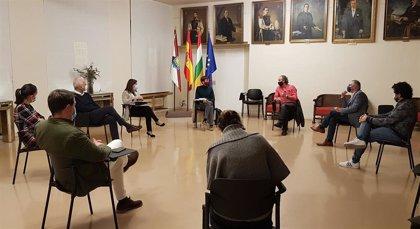Salud se reúne con el Ayuntamiento de Logroño y los hosteleros de La Rioja