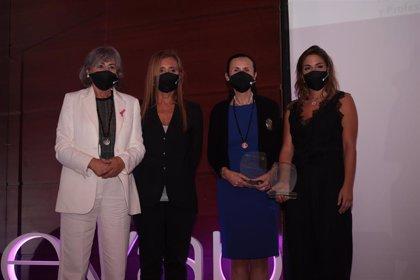 Susana Vera, Pilar de la Oliva, Mª Teresa Rodríguez, Paula  Carsí y Lourdes Paramio reciben los Premios EVAP