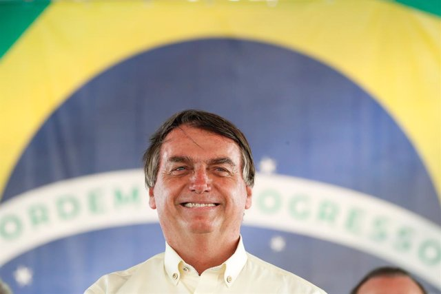 Coronavirus.- Bolsonaro insiste en que Brasil no comprará la vacuna china porque
