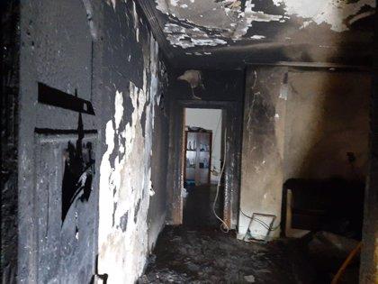 Dos personas intoxicadas, no graves, por el humo del incendio de una vivienda en Tudela