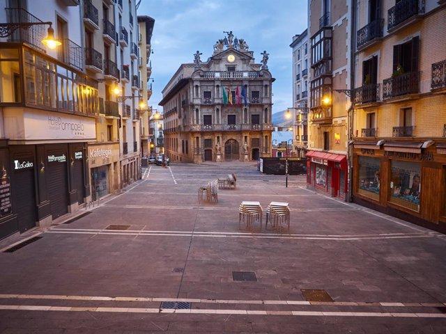 Fútbol.- El Ayuntamiento de Pamplona felicita a Osasuna por su centenario con un