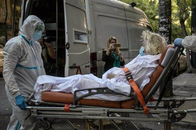 Coronavirus.- Grecia impone el toque de queda en las zonas más afectadas y el us