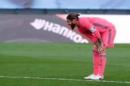 Sergio Ramos entrena con el grupo y jugará el Clásico