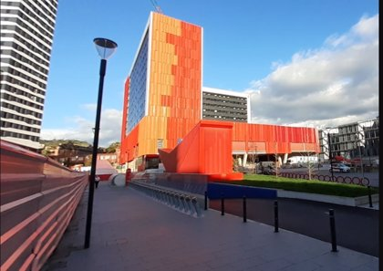 Bilbaobizi estrena una nuevo punto de préstamo de bicicletas en la explanada de la estación intermodal con 30 anclajes
