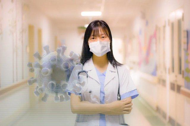 Médico. Atención a pacientes con Covid-19. Profesionales sanitarios.