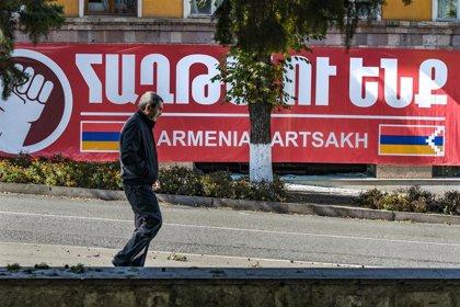 Los combates entre Armenia y Azerbaiyán continúan a la espera de la mediación directa de Pompeo