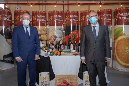 Villalobos destaca la apuesta por promocionar la gastronomía y de productos con sello propio