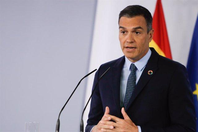 El presidente del Gobierno, Pedro Sánchez, ofrece una rueda de prensa al término de la primera reunión del Consejo de Ministros en Moncloa tras el periodo estival en la que informa sobre la actualidad del Covid-19 en España, en Madrid a 25 de agosto