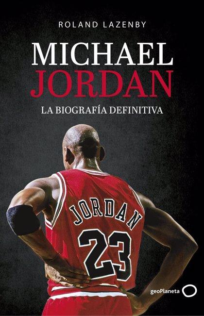 Sale a la venta 'Michael Jordan, la biografía definitiva', en la que se basa la serie 'El último baile'