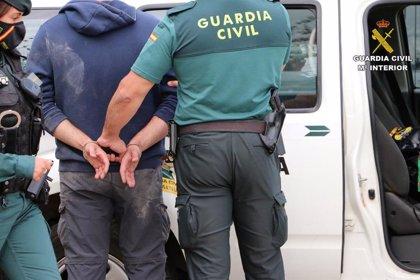 Arrestan a tres personas por obligar a una mujer a prostituirse tras engañarla con un empleo
