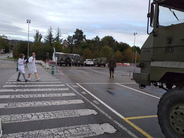 Hospital de Campaña instalado por el Ejército en el aparcamiento del Hospital de Cabueñes.