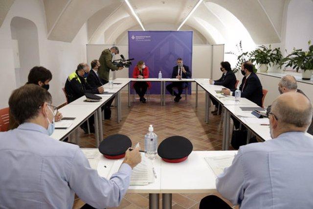 Pla general de la reunió del conseller d'Interior, Miquel Sàmper, amb l'alcaldessa de Figueres el 23 d'octubre del 2020 (horitzontal)