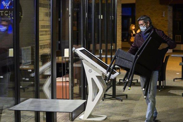 Coronavirus.- Bélgica suspende las operaciones no urgentes para evitar el colaps
