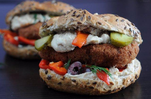 UE.- La Eurocámara apoya que las hamburguesas vegetarianas puedan seguir llamánd