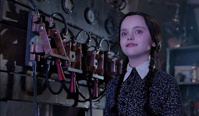 Tim Burton prepara una serie de acción real de La Familia Addams