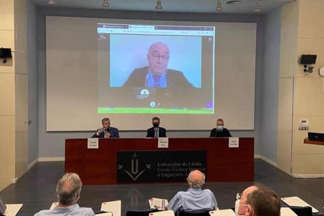 Imatge de la intervenció telemàtica del director de l'Agència Estatal d'Investigació (AEI), Enrique Playán, en la inauguració del curs acadèmic de l'ETSEA de la Universitat de Lleida, el 23 d'octubre del 2020. (Horitzontal)