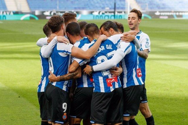 Fútbol/Segunda.- (Previa) El Espanyol quiere hacerse fuerte en el liderato en su