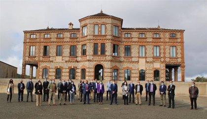 Empresas y administraciones se comprometen en Jabugo (Huelva) a crear alianzas en torno al futuro del sector ibérico