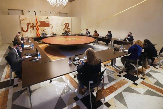 Reunió urgent del Govern per debatre si demana al Govern decretar l'estat d'alarma.