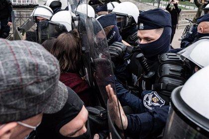 Las protestas por la reforma de la ley del aborto se extienden a más de 60 ciudades de Polonia