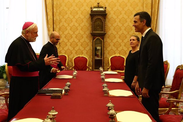 """El Vaticano ensalza la """"oportunidad de diálogo constante"""" entre Iglesia española"""