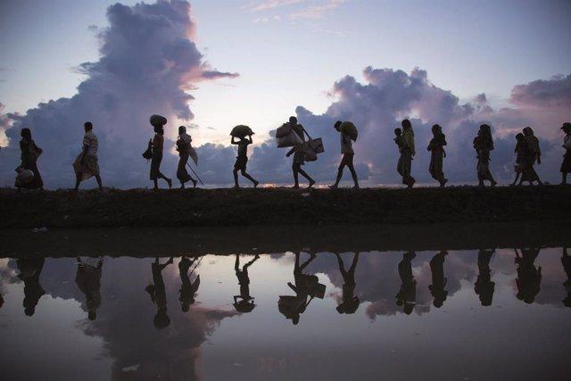 Birmania.- Muere un rohingya por la explosión de una mina en la frontera con Ban
