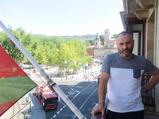 El portavoz de EA, Iker Ruiz de Egino
