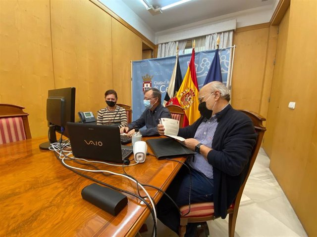 Ceuta pide al Gobierno que prohíba a la población de la ciudad estar en la calle de 23,00 a 6,00 horas.