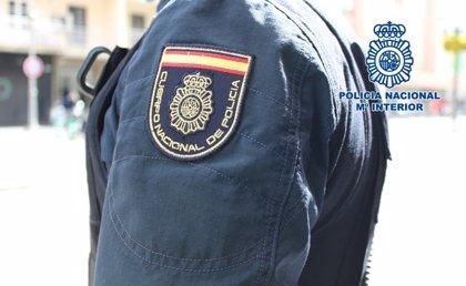 Prisión provisional y orden de alejamiento para el acusado en Córdoba de apuñalar en una pierna a una vecina