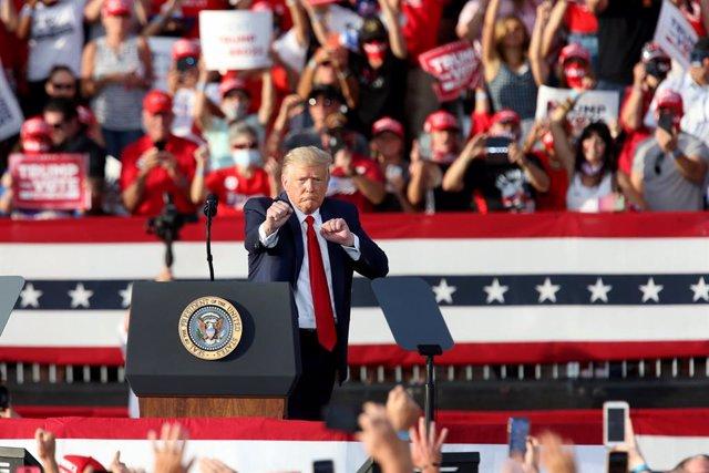 AMP.- EEUU.- Trump vota en persona y por anticipado en Florida antes de reiterar