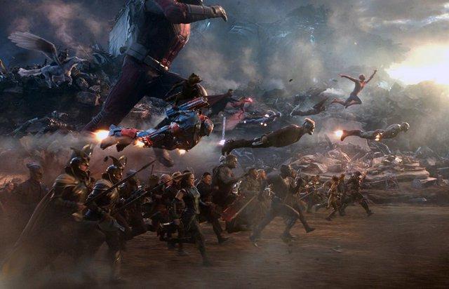 Imagen de la batalla final contra Thanos en Vengadores: Endgame