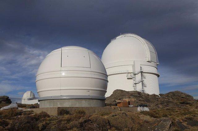 Fundación AstroHita ha completado la instalación de la cúpula que albergará un novedoso telescopio en Calar Alto (Almería).
