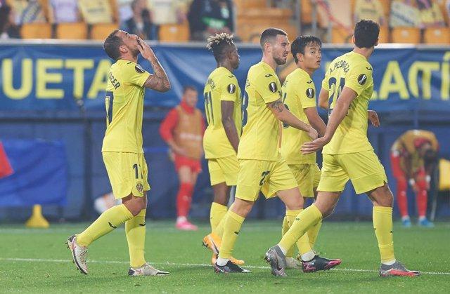 Fútbol/Primera.- (Previa) Real Sociedad y Villarreal defienden su liderato ante