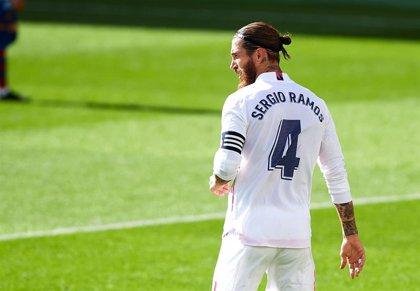 """Sergio Ramos: """"Me agarra cuando voy a saltar, está bastante claro"""""""