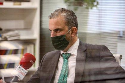 """Ortega Smith rechaza condenar el franquismo: """"En todo hecho hay luces y sombras"""""""