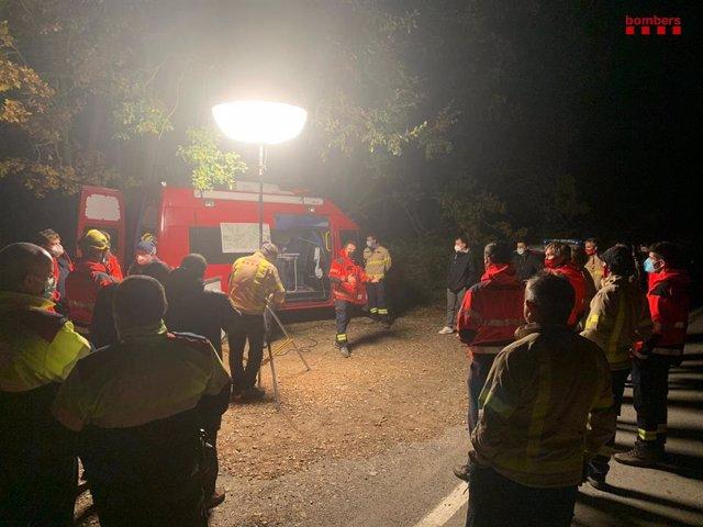 Els Bombers de la Generalitat continuen l'operatiu de recerca d'un home de 68 anys desaparegut a Lleida.