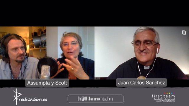 Els autors del llibre 'Entre l'espasa i la paret', Scott Cleverdon, Assumpta Serna i Juan Carlos Sánchez, per videoconferència.