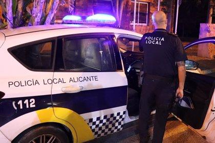 La Policía Local de Alicante levanta 32 actas por no llevar mascarilla y disuelve tres botellones