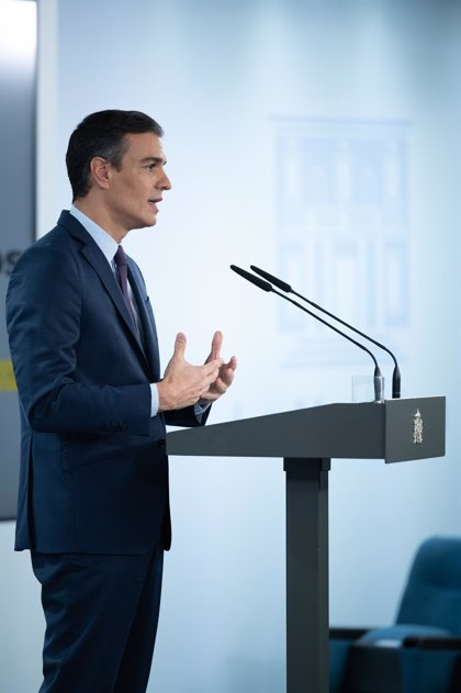 Sánchez dice que España cuenta con una reserva de material suficiente y pide descargar la app Radar COVID