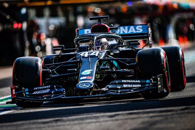 AMP.- Fórmula 1/GP Portugal.- Hamilton supera a Schumacher en Portimao y Sainz t
