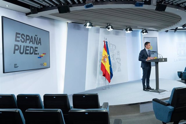 El presidente del Gobierno, Pedro Sánchez, ofrece una rueda de prensa tras el Consejo de Ministros Extraordinario